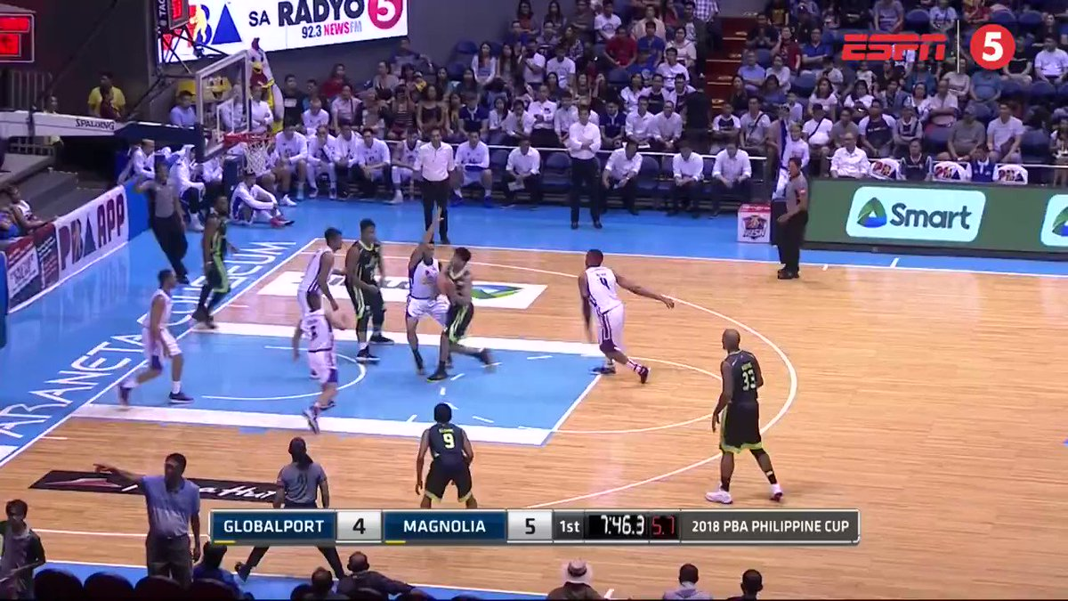 .@angelogabayni does not give up on the basketball! 👏  *** For more PBA content, espn5.com | #PBAonESPN5
