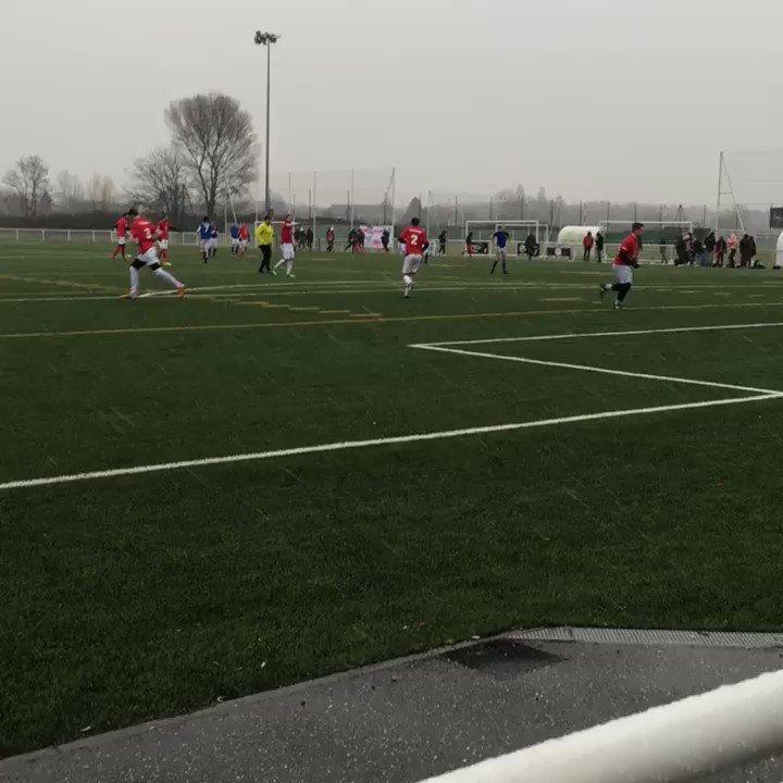 Conditions météo difficile pour l'équipe @IPJdauphine face à l'@ESJLille #tfiej GOIPJJJJ