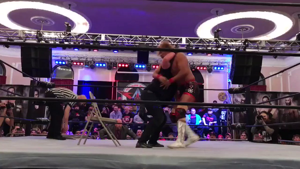 .@TheSamiCallihan almost killed @s_d_naito   #aawshowdown #aaw #aawpro @aawpro