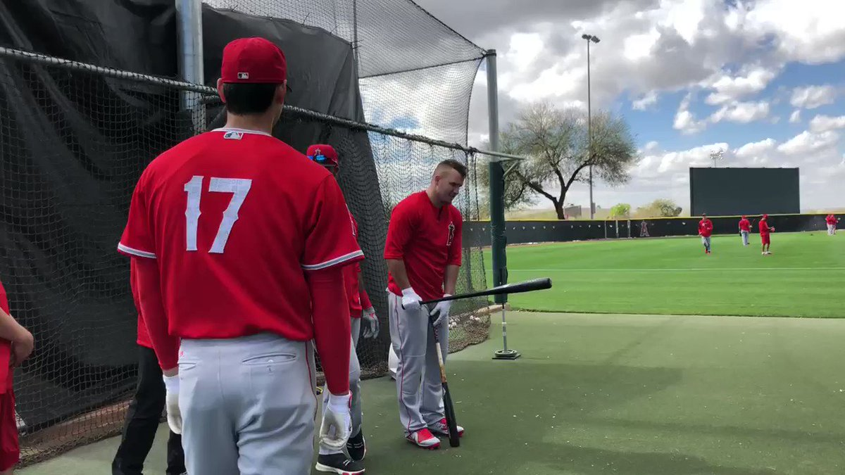 Checking out Ohtani's lumber 👀 https://t...