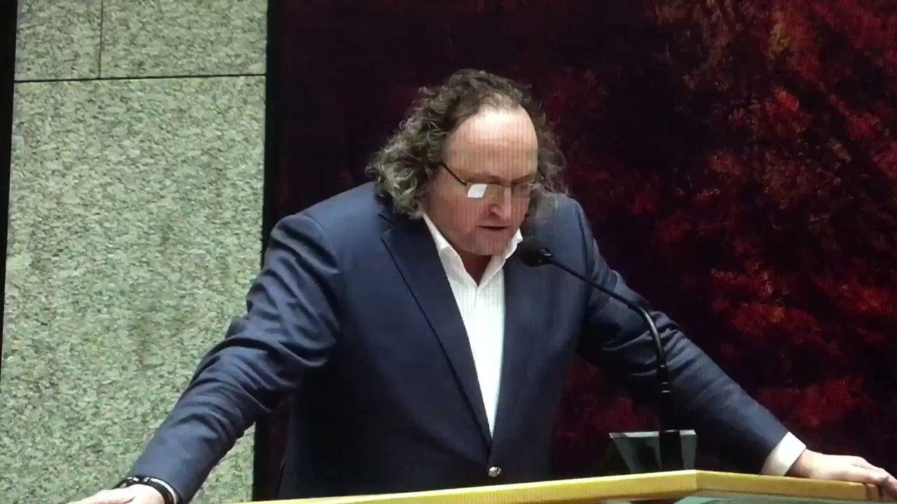 RT @StgDierenhulp: Dieren discriminatie is anno 2018 ondenkbaar in een democratisch koninkrijk Nederland. https://t.co/I3GbIc67le
