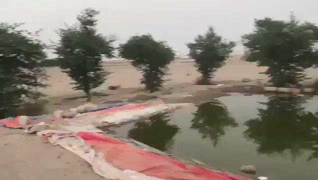 فيديو | مواطن يُنشئ بحيرةً ويزرع أشجاراً...