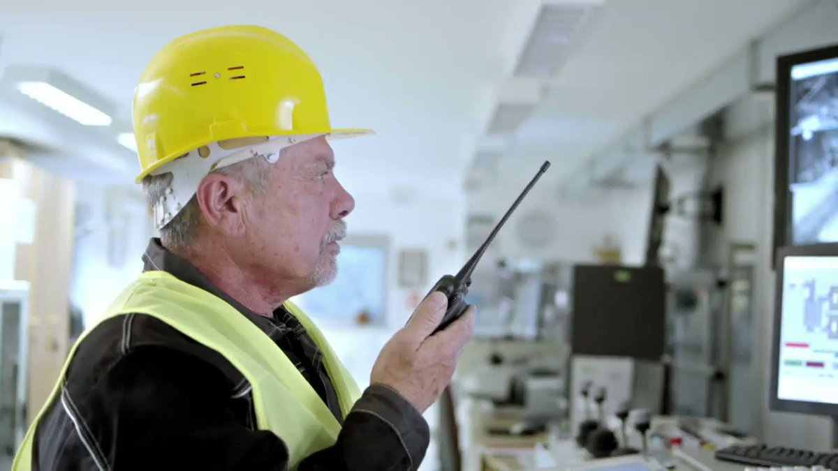 #Wirelesswednesday - Employee safety is paramount, make sure you have real-time support. Consider #voiceanddata radio communication solutions. Discover More https://t.co/TpXqh64qZv  #UtilitiesTech #SafetyFirst #healthandsafety #resilientsystem #twowayradio #heretosupportyou