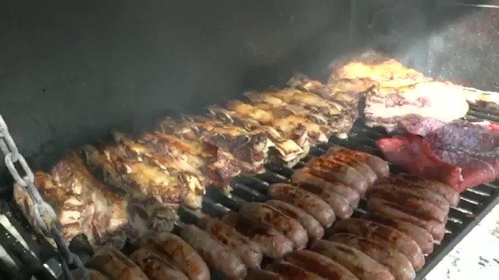 🔥 PARRILLADA ARGENTINA. 🔥🍖Cinco tipos de Carne de Ternera: Costillar, vacio, chorizos criollos, matambre y entraña (un corte exquisito). ▶ Haz tu reserva y disfruta de nuestra Carta y Menús en #Murcia😋 👉  lacocinadeagridulce.com/menus/