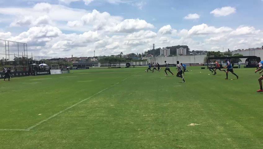 📽 Atividade com bola em campo reduzido!...