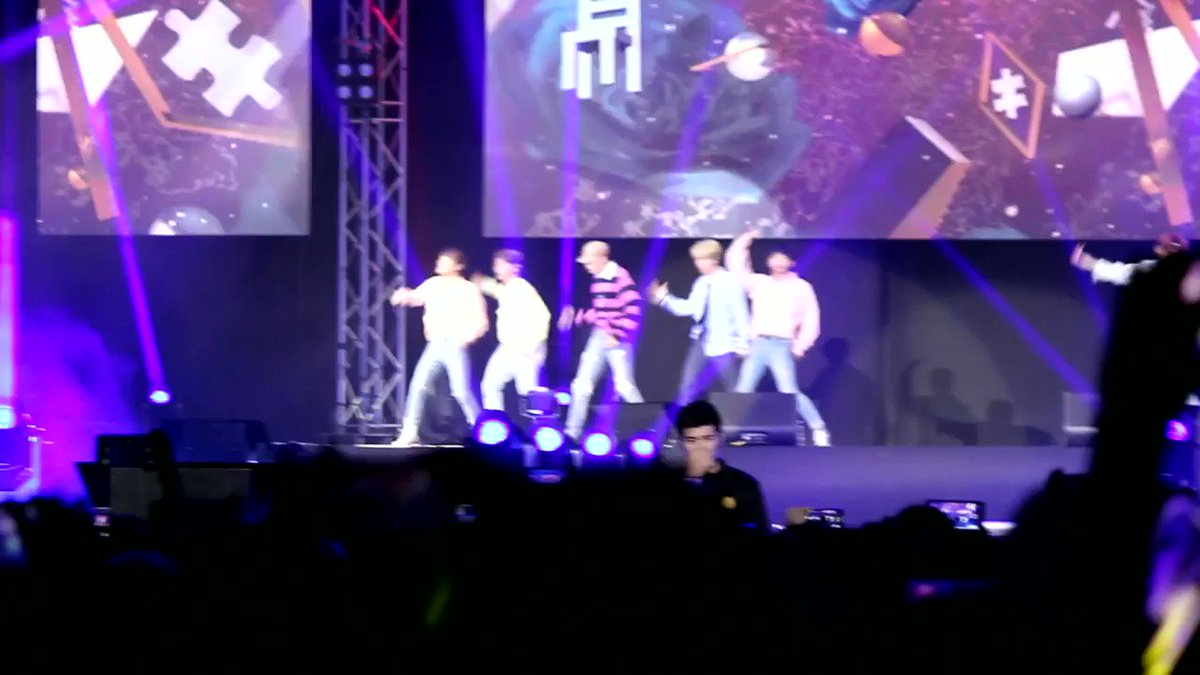 [PREVIEW] A short clip of JBJ's first pe...