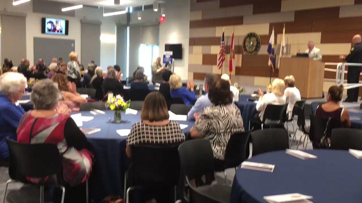 . @orlandomayor welcomes all those we are honoring at the Neighborhood Watch Leaders Forum.