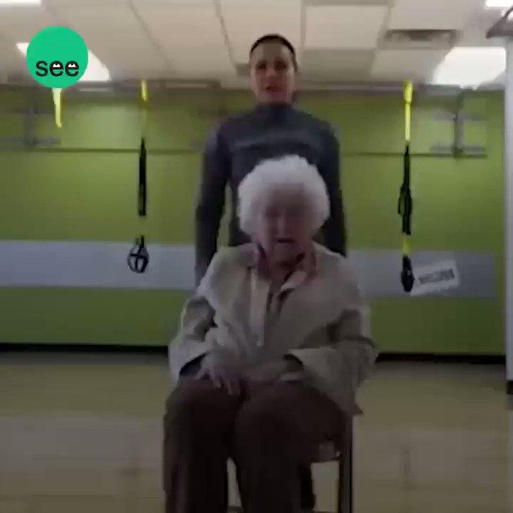 بعمر 93 عامًا! 👵🏻 لايزال الذهاب إلى 'الج...