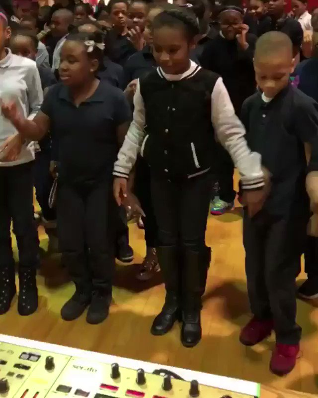 I just wanna let the white kid at the end to know that I know exactly how he feels ���� @BlocBoy_JB https://t.co/u2YJm81Vuf