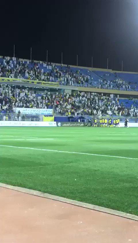 🎥 : غضب الجمهور على اللاعبين بعد الخروج...