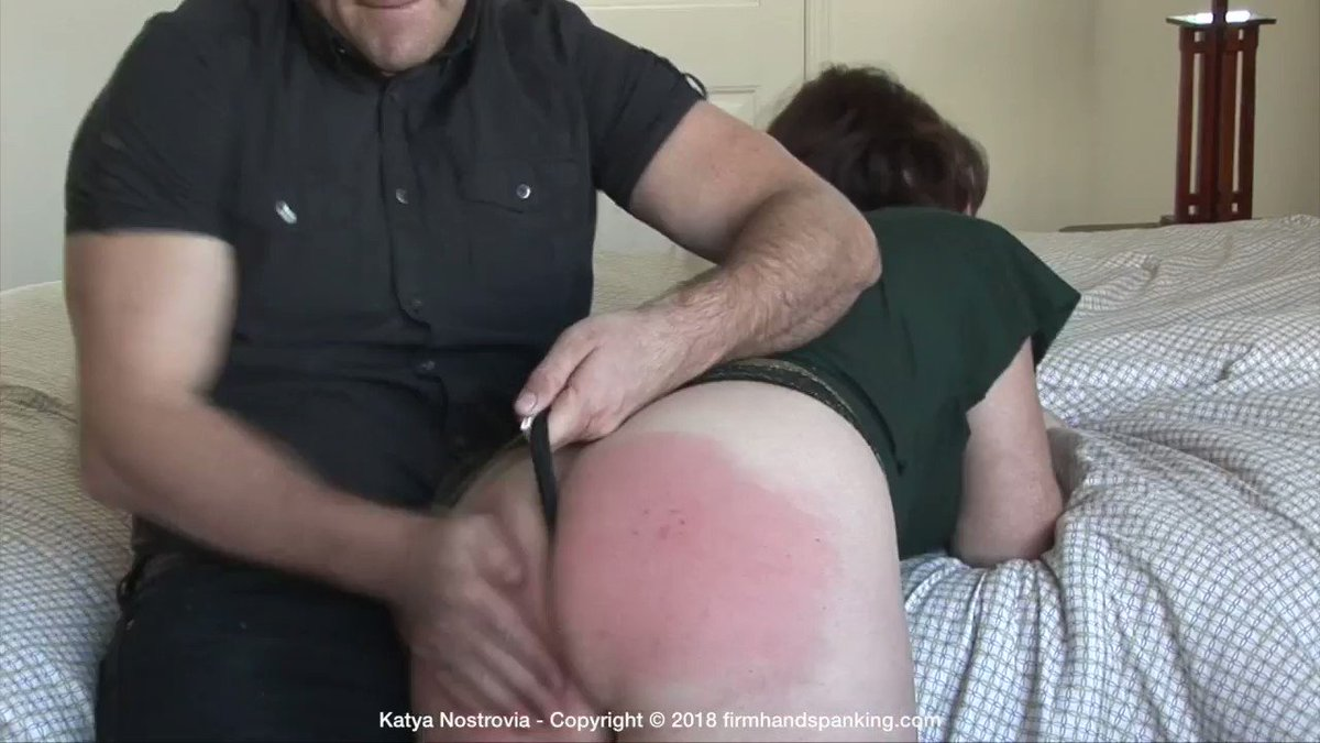 lee-a-bare-bottomed-wife-women