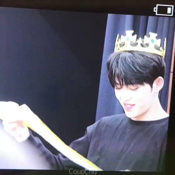 Scoups wearing a crown: Yeah thats our k...
