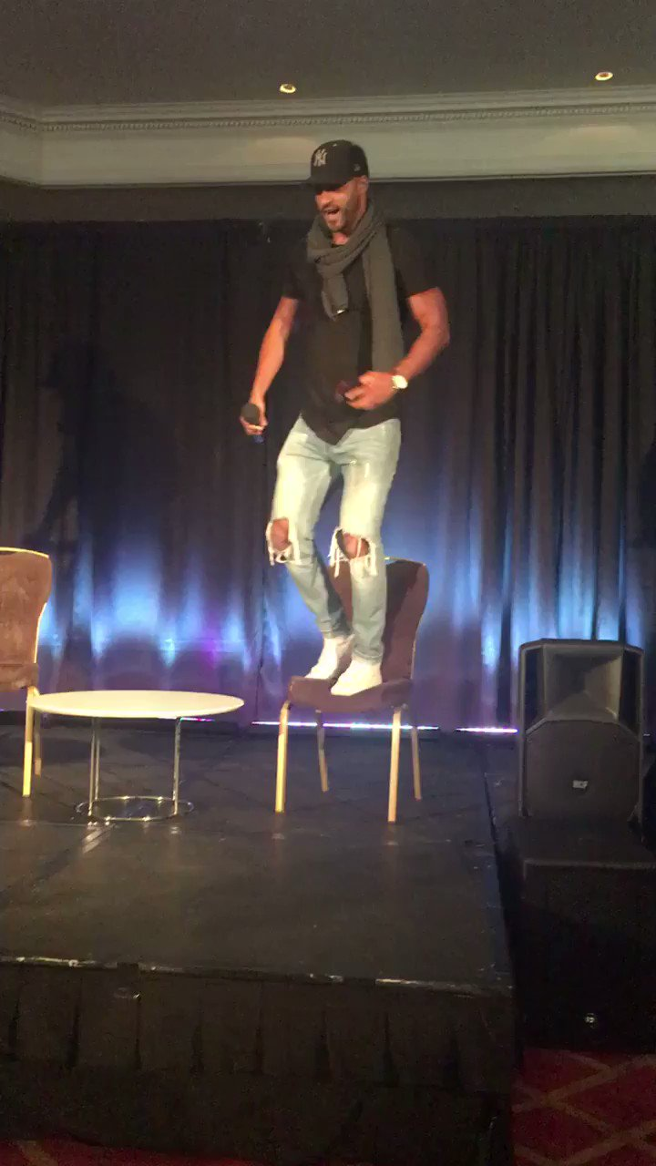RT @Moondancer1626: . @MrRickyWhittle is HERE AND RUNNING AROUND https://t.co/TjPd4CbTdI