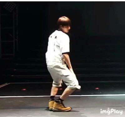 OMG , 💔💔💔💔💔  I can't skip his dance here...