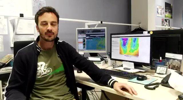 🙋🏻♂️¿Que si va a llover esta semana? Te lo cuenta @jesusTeniente...☔️ Y la previsión, ampliada, a las 14:40 en #ElTiempoExtremadura🖥. #EXN https://t.co/HvVnl0IDs5
