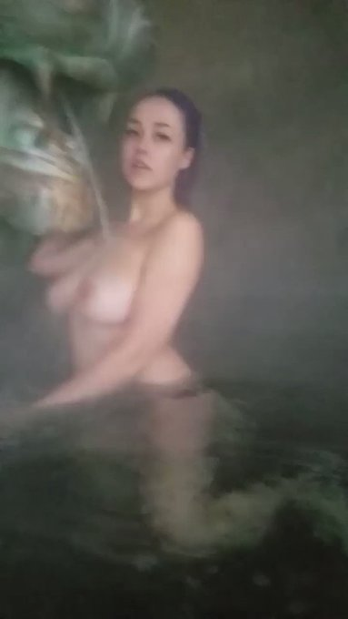 Just having some fun on a cold rainy day (it was really foggy from the hot water) https://t.co/ktDhB