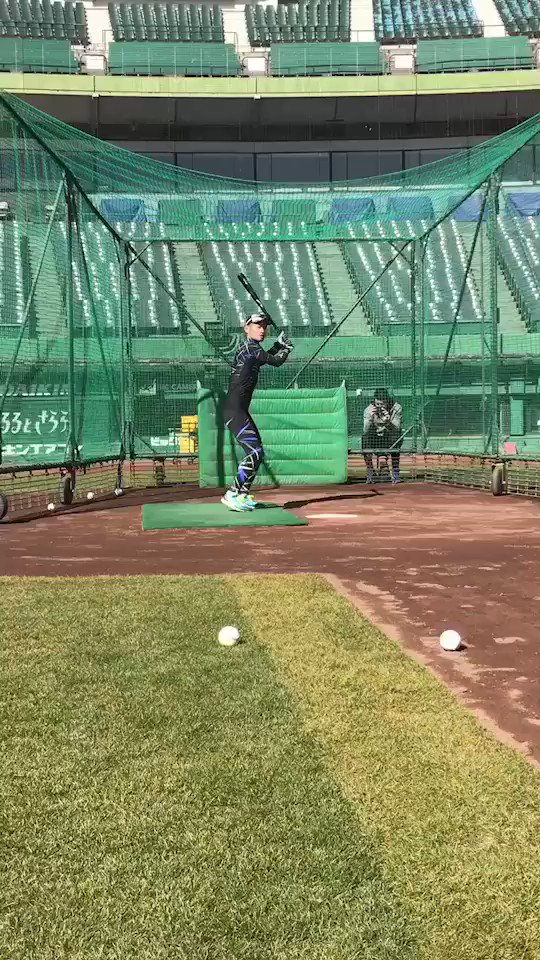 Here's a video of Ichiro hitting last week. He wants to continue playing in the big leagues at age 44. https://t.co/HRT0yLTcLc