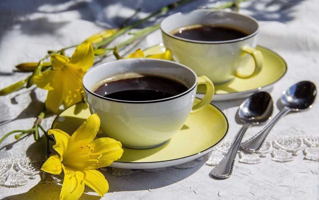 Картинки доброе утро с чашечкой кофе и цветами