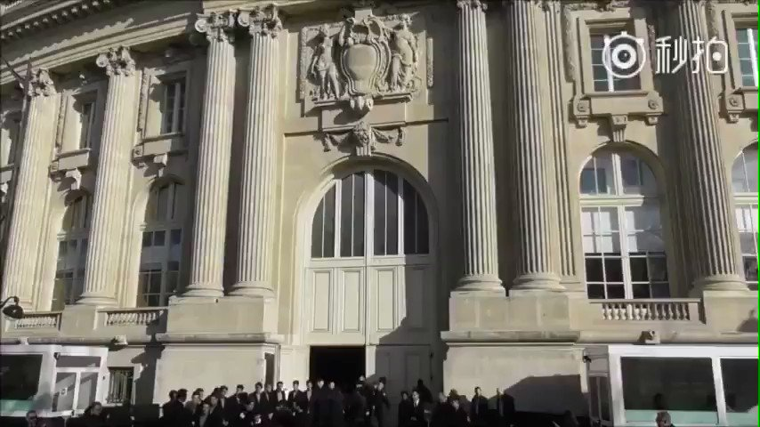 [Paris Videostars]Park Shin Hye 2018 Fashion Week show Chanel https://t.co/2QzREt6Cf1