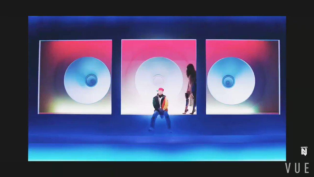 Quien enseñó a Nicky Jam a moverse así 🕺...