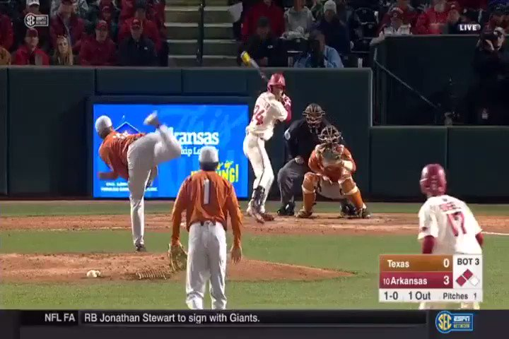Fletcher with the sac fly to score Kjerstad. Hogs up 4-0. https://t.co/7xjPaSF9WN