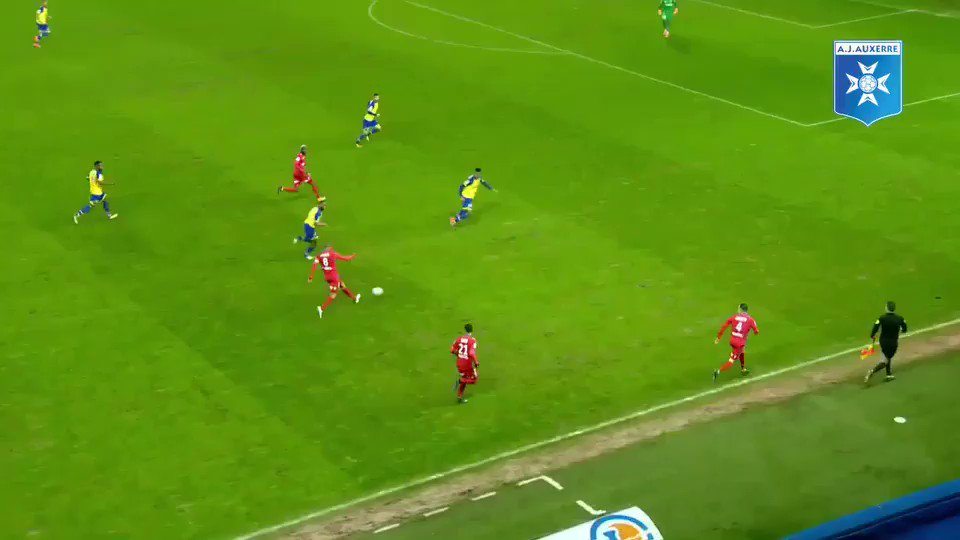 #FCSMAJA 0-4 Le superbe 1er but de Michaël Barreto en @DominosLigue2 cette saison  Retrouvez les autres buts  sur  http:// www.instagram.com/aja#TeamAJA   - FestivalFocus