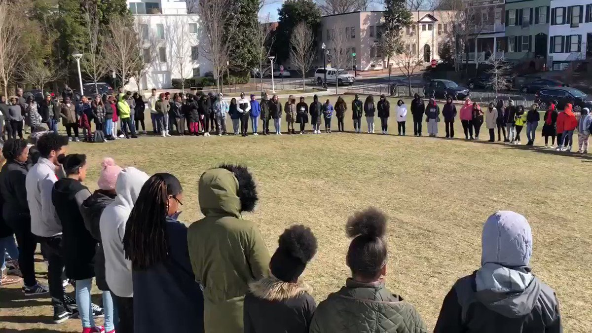 @marchforourlives Ellington's Student Government organized a walkout for students against gun violence in schools. Students stood in absolute silence for 17mins in remembrance of Parkland High School's 17 victims in Florida. #NationalWalkoutDay #MarchForOurLives #dcpublicschools