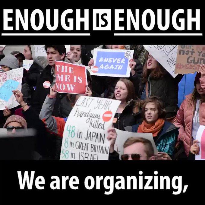 Учні та студенти у США протестують проти права на зброю - LMFX3WMZ0B 4KE7u?format=jpg&name=small