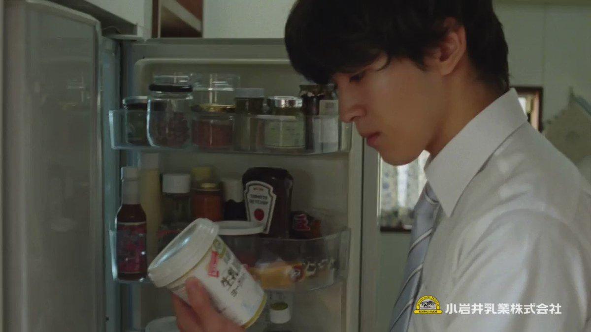 「母さんがヨーグルトを変えていた」 冷蔵庫を開けると、そこにはいつもと違うヨーグルト。 小岩井 生乳100%ヨーグルト…? 母がヨーグルトを変えた理由とは。