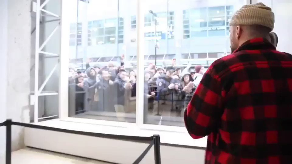 Surprised Toronto with some 2-Minute Warnings #MOTWTOUR   https://t.co/F3NpBIRJur https://t.co/iwKgQSFOTN