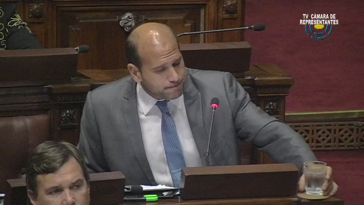 Palabras del Dip. @MartinLema404 en Cámara de Diputados sobre #ViviendaPopular: El gobierno ha fallado en la política de Asentamientos Irregulares, los datos son del 2011.