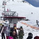 閲覧注意!スキーのリフトが故障して猛スピードで乗客を投げ飛ばす大事故発生!