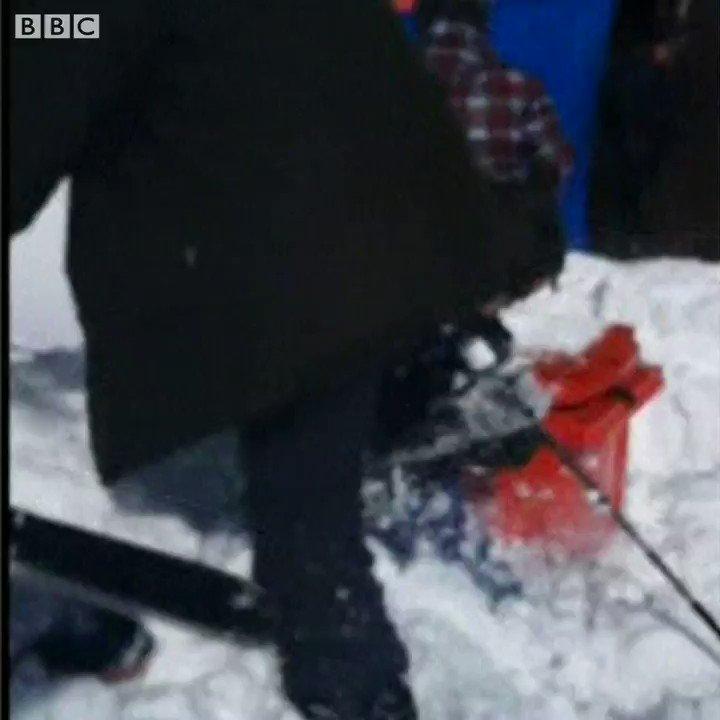 Terrified skiers jump off an out-of-control ski lift in Georgia   https://t.co/osapCeZhsx https://t.co/Dn71j0AR4X
