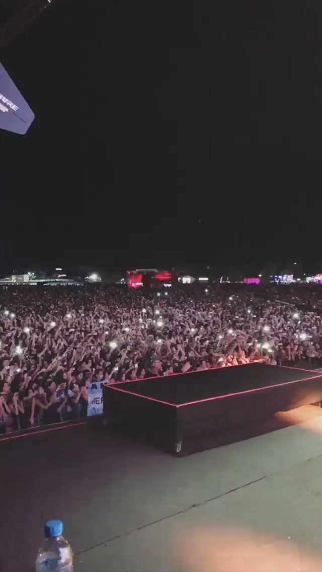 Camila performing All These Years at #LollaAR #CamilaOnLollapalooza (via @ClarissaLunaNYC's Instagram story) https://t.co/cLbSqBo8xH