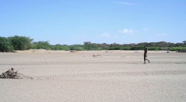 Ajuma Nasenyana  - Eliye Beach twitter @ajumanasenyana