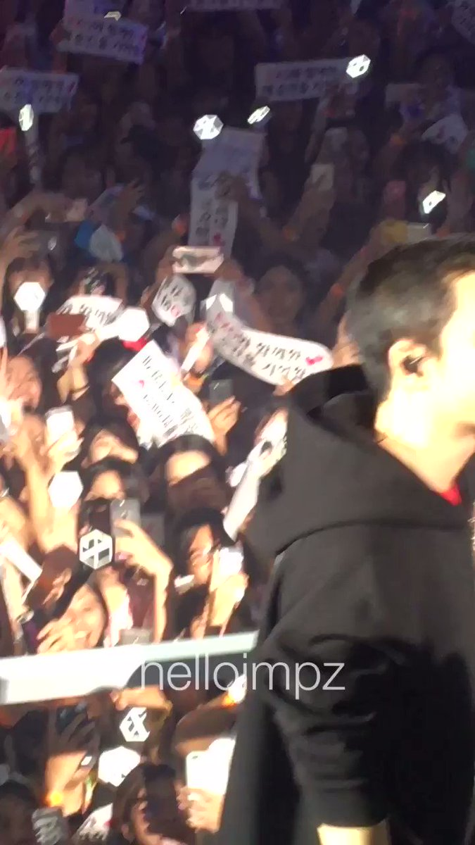 คุณโด🐧 #ElyXiOninBKK https://t.co/IrVzjL...
