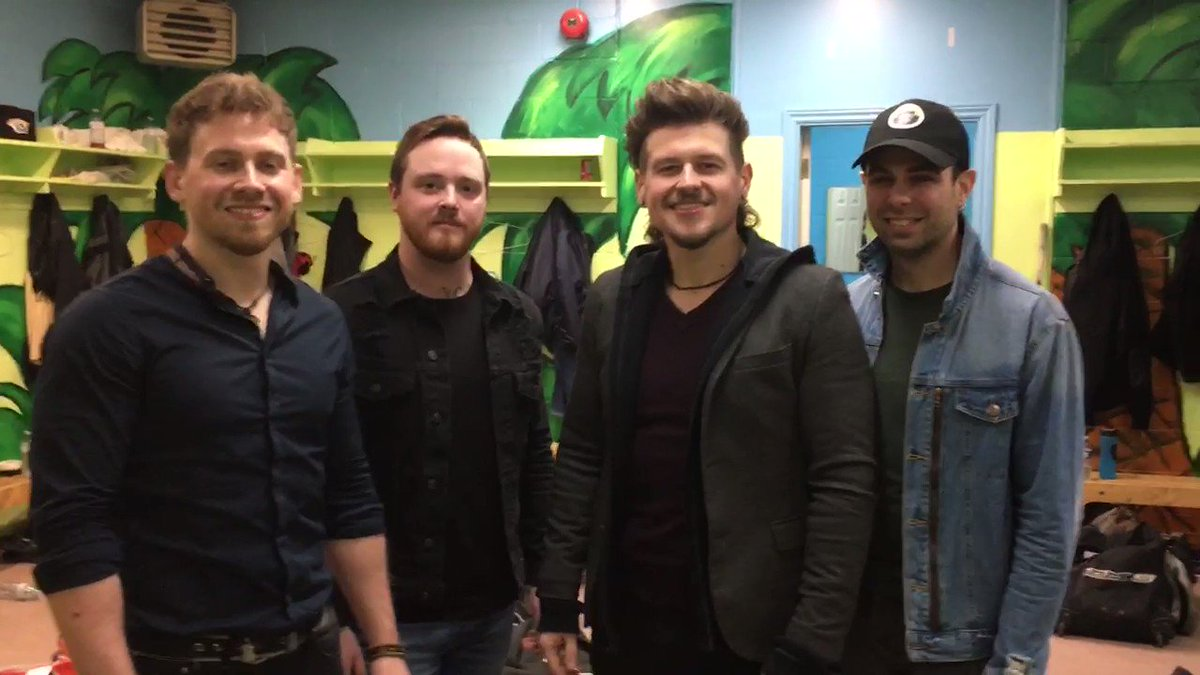 A stop in @CityofCornwall would be incomplete without @coldcreekcounty. They have a special message for you, so check it out 👇 #HometownHockey