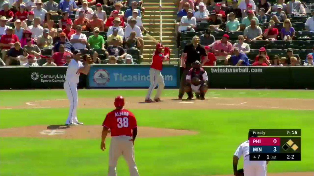 Tie game in one swing ...  @JesseValentin26, have a SPRING! https://t.co/UfVT2fsIZv