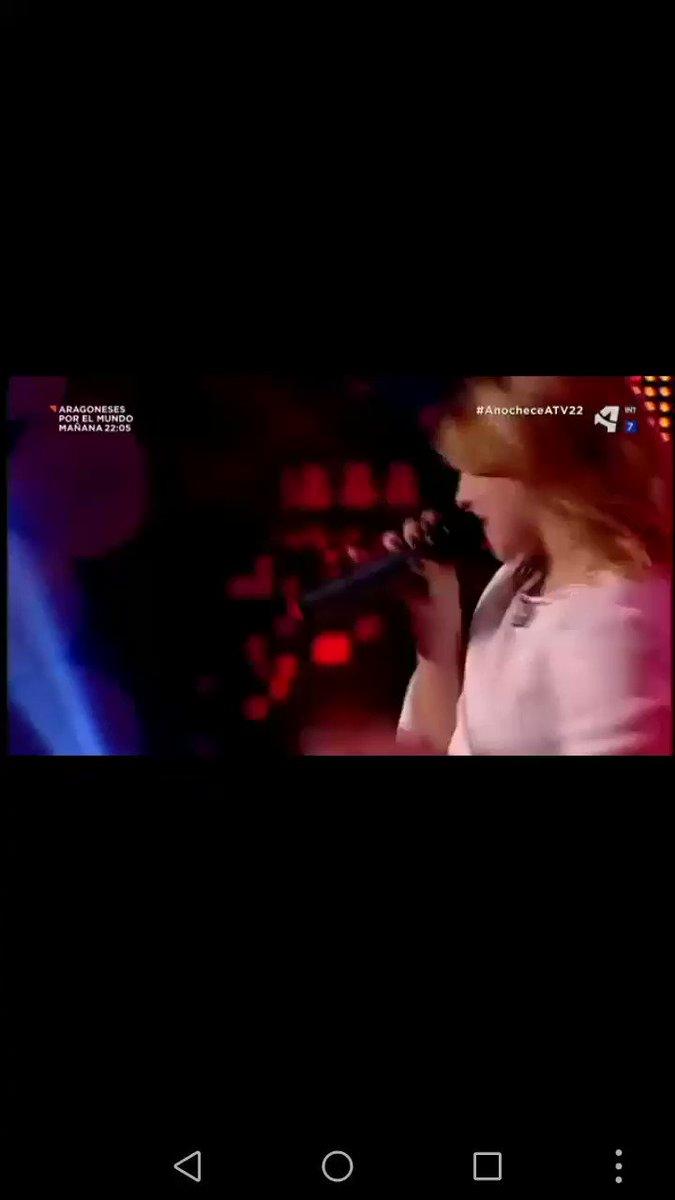 Tu voz en directo es magia ✨ @LuciaGil_G...
