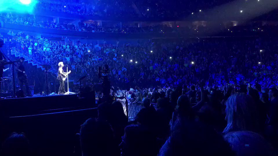 A great moment in Vegas. #THINFStour https://t.co/APjEYgtBer
