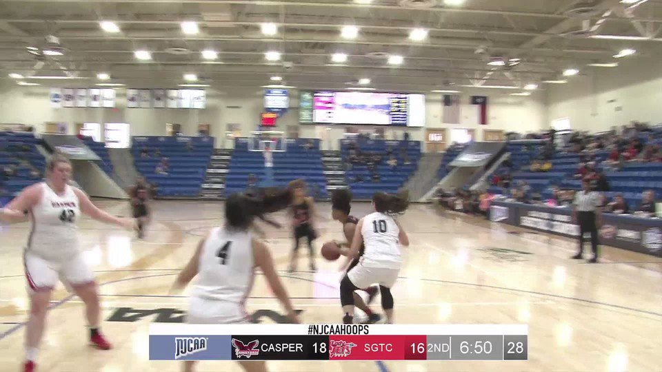 Alyssa Nieves hits another from three fo...