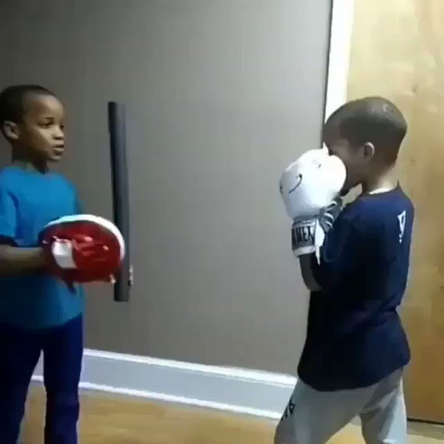 Boxing brothers https://t.co/wIOA4KltnW