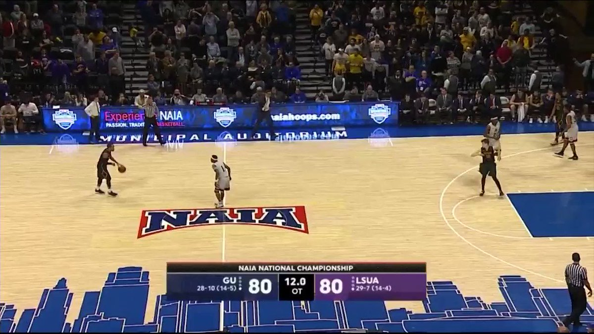 Shoutout southern Iowa! @GUjackets are NAIA National Champions! Justin Harley with the shot of a lifetime! https://t.co/i3jRsOn8Re