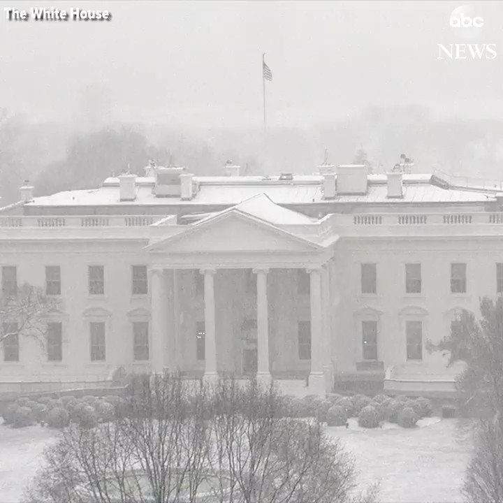Snow falls on the White House as the fourth nor'easter slams the East Coast in recent weeks. https://t.co/PtxZRSJcWN https://t.co/UXj7p1kgZi