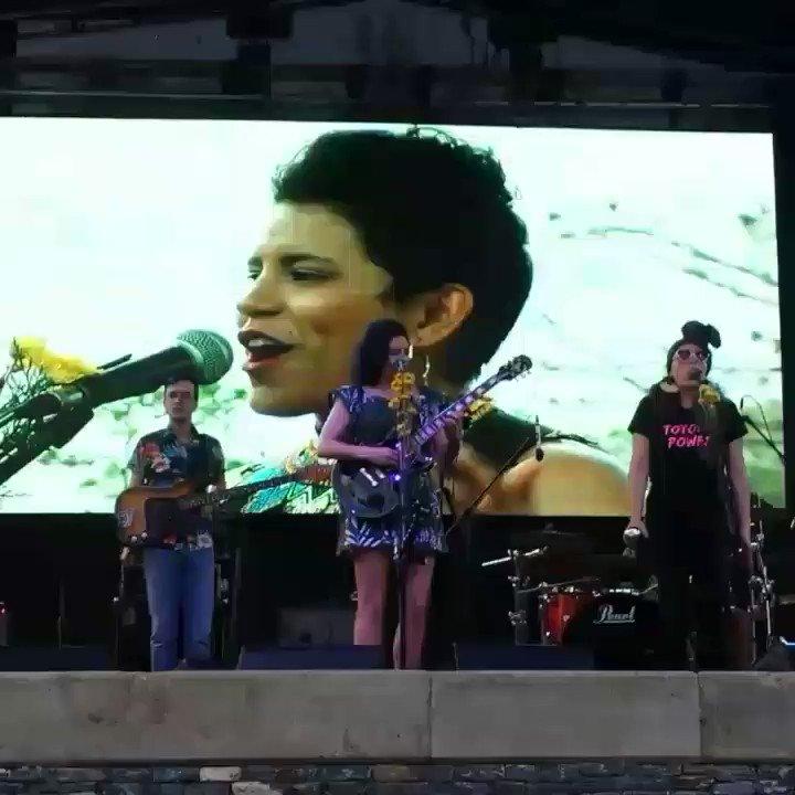 En el marco de la Convención Nacional #LasMujeresProponen hoy disfrutamos del fabuloso concierto de @ladamaproject  en la Plaza Alfredo Sadel.  👏👏👏#21Mar @ALIADASenCADENA @lasmujeresproponen