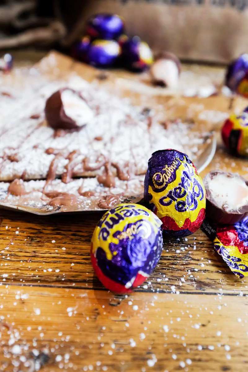 YOU HEARD IT HERE FIRST! 📣 📣 📣 In celebration of all things chocolatey, this #Easter we bring you an exclusive crêpe for one month and one month only. Introducing our Cadbury's Crème Egg crêpe. Find a Crêpeaffaire near you: https://t.co/2aAuOKx7fx