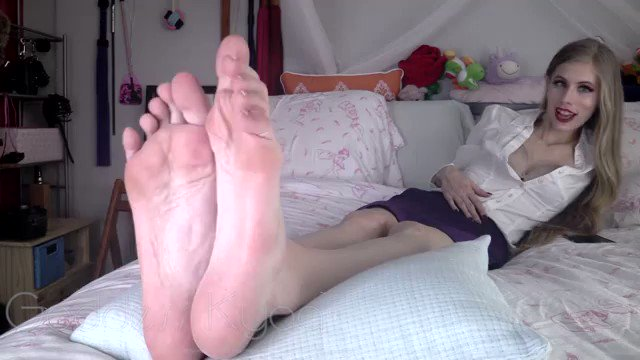 This #clip is hot! Just sold! Only My Fe...