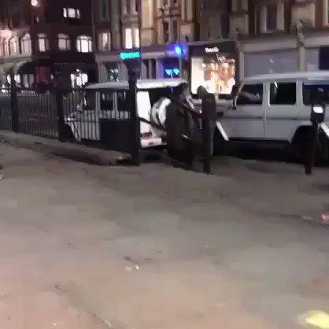 """""""أنا شاب مجنون وفخور بذلك"""".. عدنان موسى باسم عراقي مدمن مخدرات يعتدي على شاب إماراتي في لندن"""