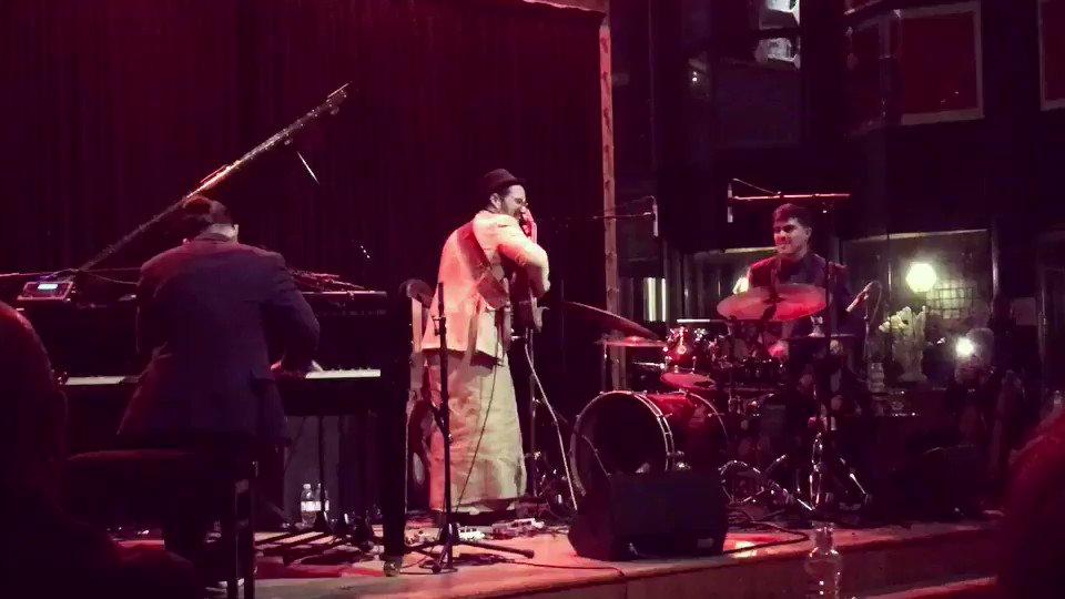 Fiesta en Paris 🎉 Thriller Viva la música 🇨🇺 Full video 👉 instagram.com/p/Bg4Dg3WnO1G/