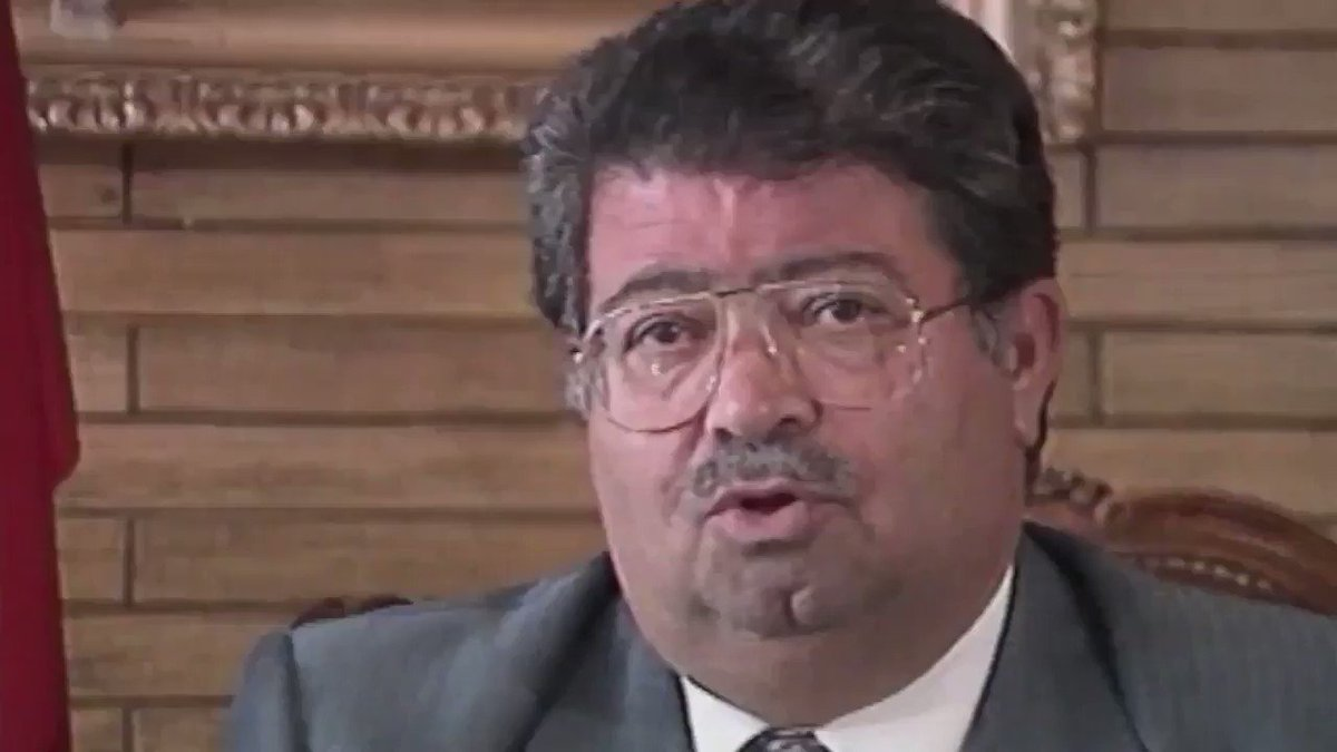 """1989'da #TurgutÖzal'dan BBC'ye: -Batı'ya, """"Türkiye'ye gelen Kürt mültecilerin yarısını ben alayım yarısını siz"""" dedim, cevap vermediler. -Kürt sorunuyla bu kadar ilgiliyseniz neden tek bir Kürt mülteciyi bile almıyorsunuz?"""
